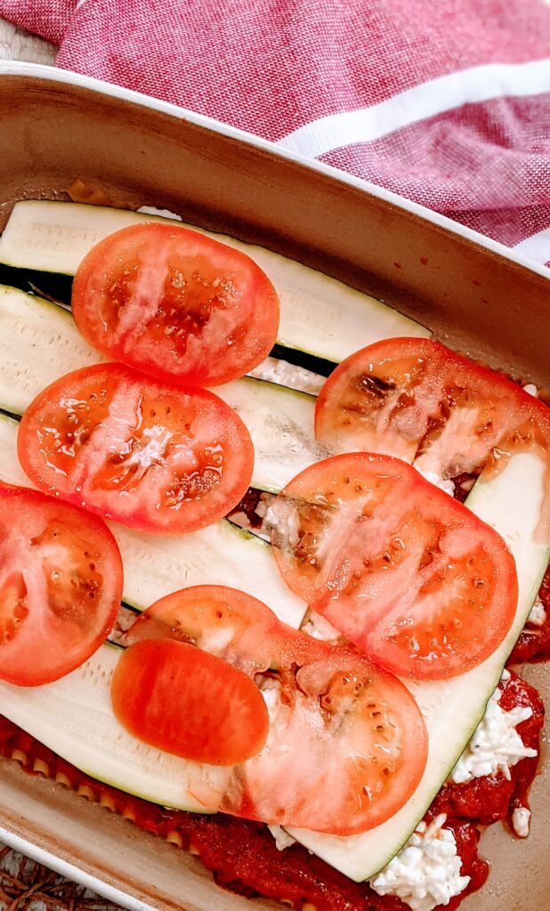 Layer of tomatoes.